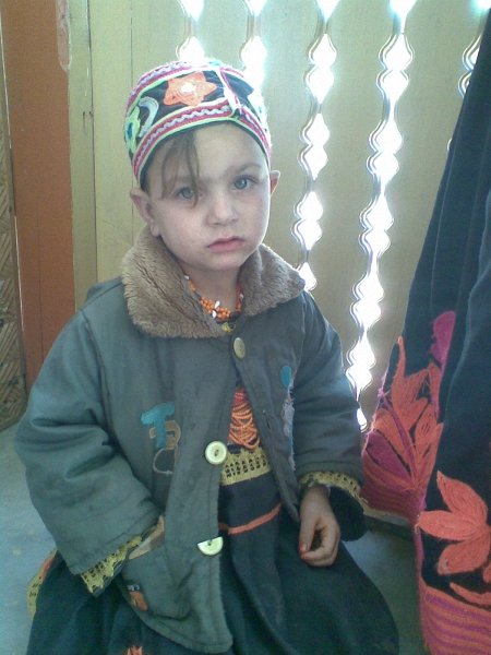 a-kalash-child-in-chitral